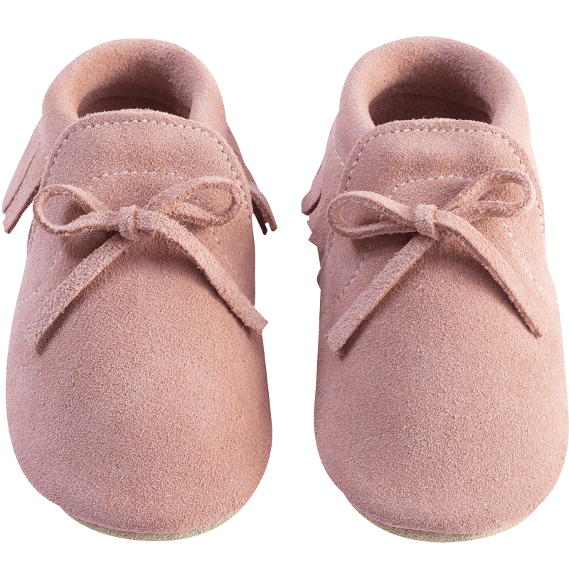 Chaussons-bebe-cuir-souple-franges-mocassin-rose-face