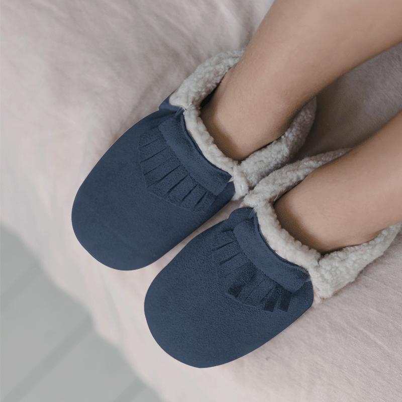 chaussons-bebe-cuir-souple-fourres-ff-tichoups-porté