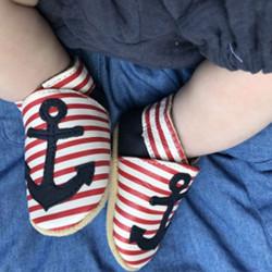 chaussons-bebe-cuir-souple-aline-ancre-porte