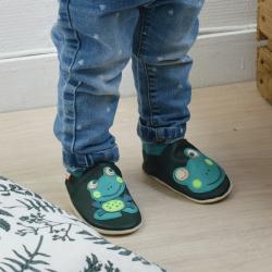 chaussons-bebe-cuir-souple-patrick-grenouille-porte